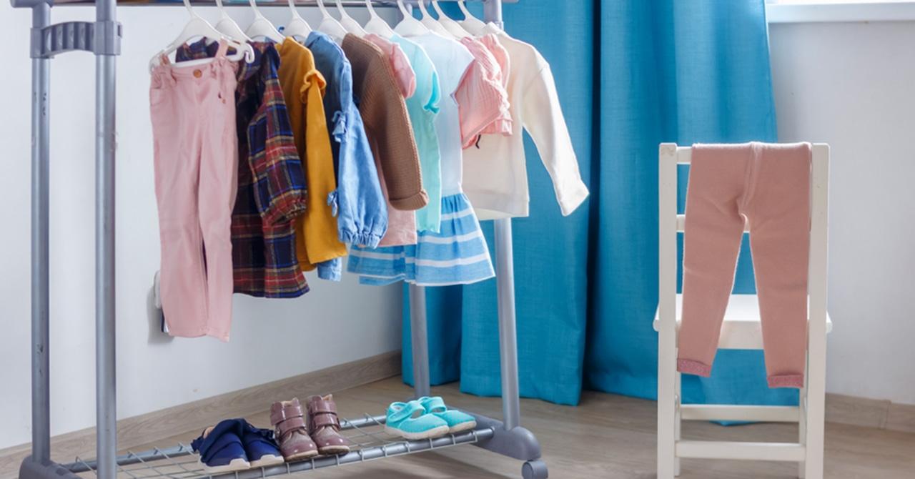 子ども服の収納準備