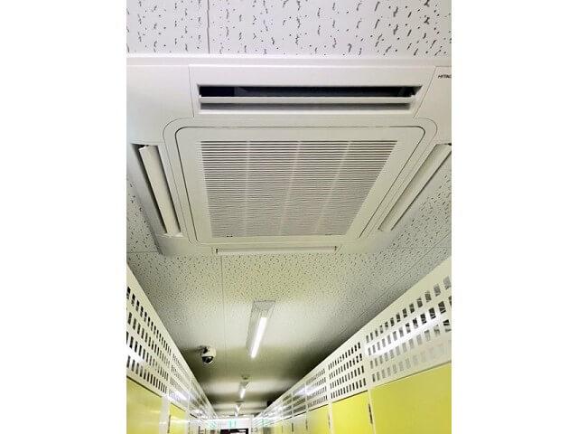 「キーピット越谷」トランクルームの空調設備