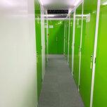 「キーピット」トランクルームの通路や扉(内観)