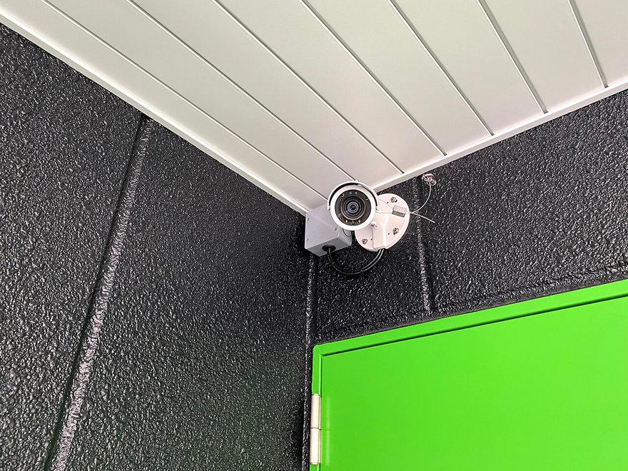 「キーピット」トランクルームの屋外防犯カメラ