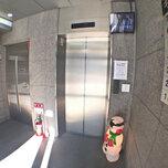 「キーピット江東木場」トランクルームのエレベーター