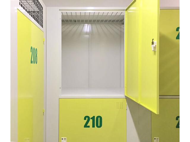 「キーピット江戸川北小岩」トランクルームの収納スペース(ロッカータイプ)