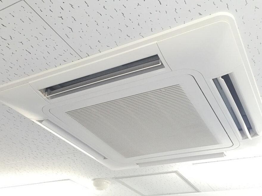 「キーピット世田谷千歳台」トランクルームの空調設備